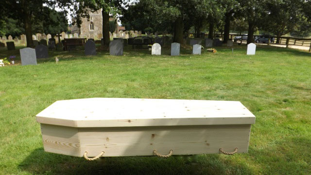Standard eco-Traditional Toe-Pinch Coffin